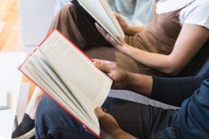 man-woman-reading-300x200